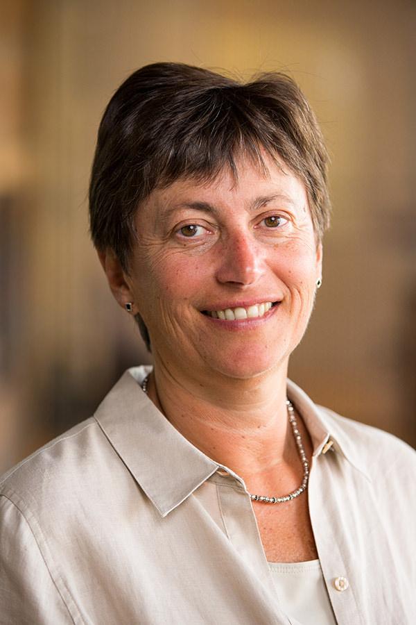 Suzanne Stianche